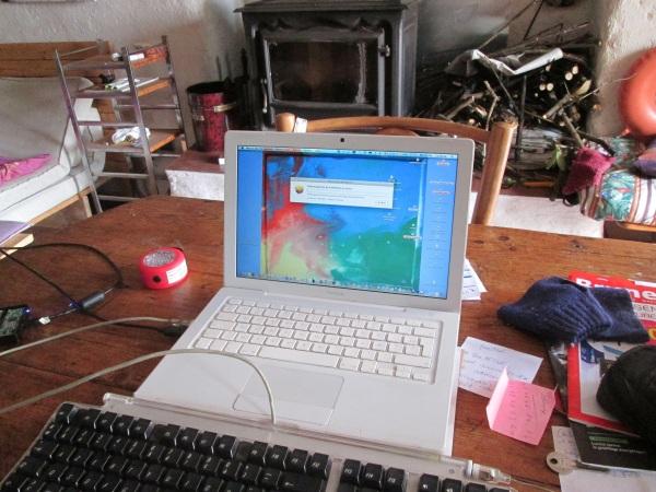 Résurrection du MacBook après 4 ans d'oxydation. © gaelle kermen 2015